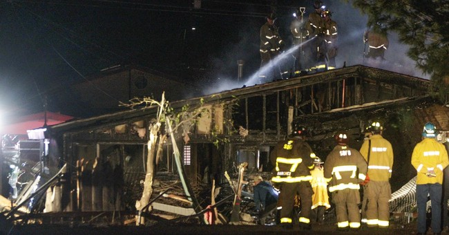 2 dead after small plane crashes into house in San Diego