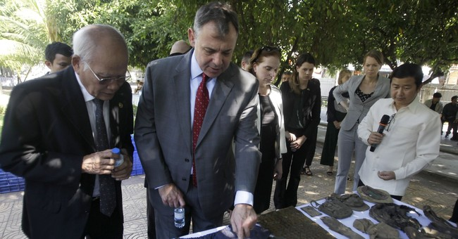 US to help Cambodia preserve Khmer Rouge victims' belongings