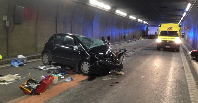 Collision in Switzerland's Gotthard road tunnel kills 2