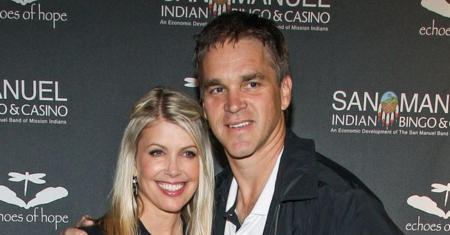 Ex-NHL star's wife: Trump made advance on me in elevator