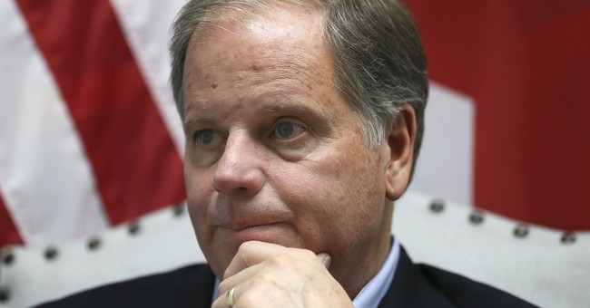 Jones: Trump shouldn't resign over misconduct allegations