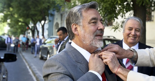 Ex-President in tight race for return to power in Chile