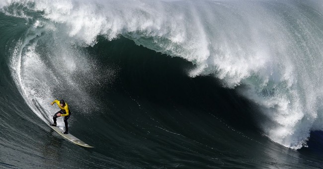 Mavericks big-wave surf contest gets go-ahead to resume