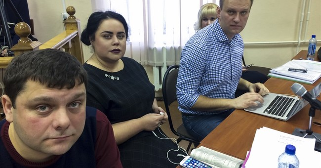 Putin foe Alexei Navalny opens presidential campaign office