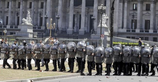Clashes as Argentina Congress debates pension reform