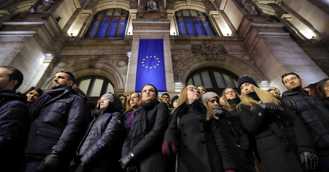 Romania: Judges hold protests over legal system changes