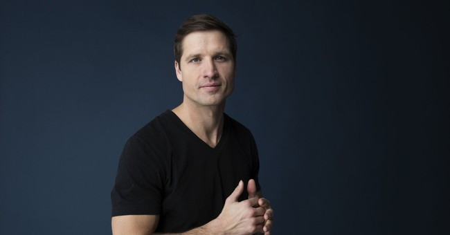 After Music Row rejection, Walker Hayes made a DIY studio