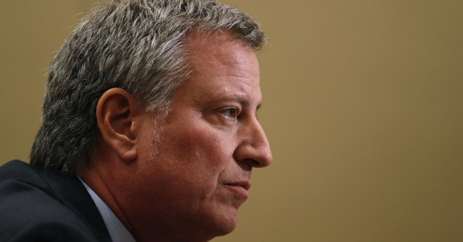 New York City mayor pushes progressive message in Iowa
