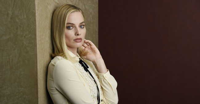 Margot Robbie plans to return to ice rink for Christmas