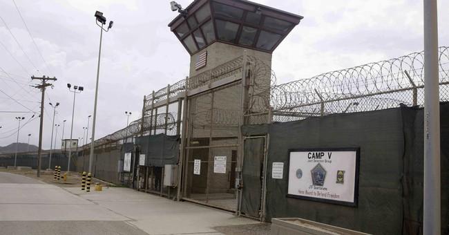Mattis gives US troops a pep talk at Guantanamo