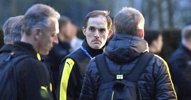 Suspect in bombing of Dortmund team bus goes on trial