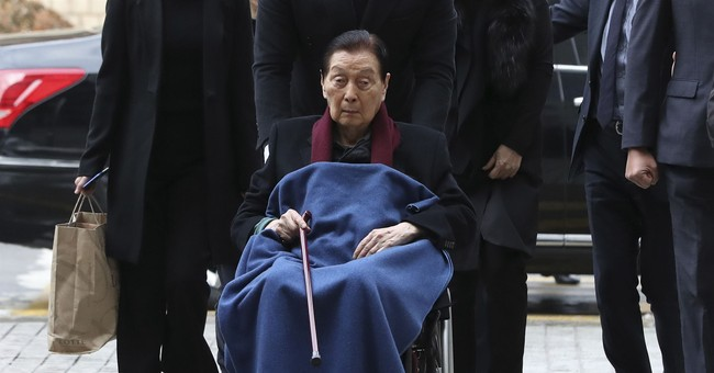 Lotte founder, chairman convicted of corruption