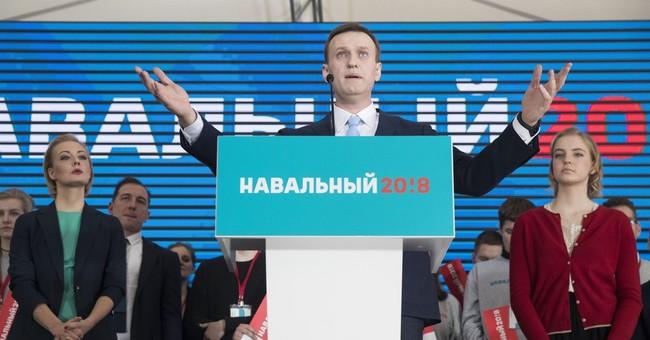 Putin foe clears first step in bid for Russian presidency