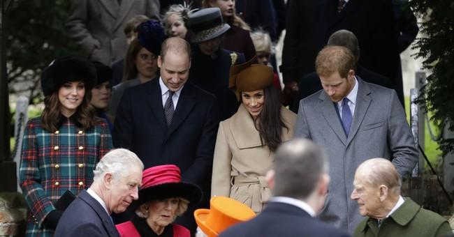 Queen Elizabeth II, Markle, royals attend Christmas service