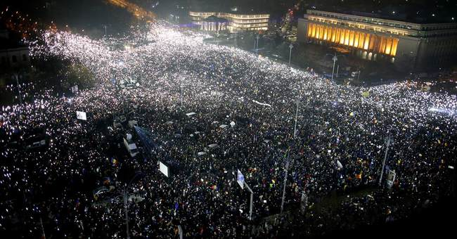 Romanian protesters get key concession, seek more changes
