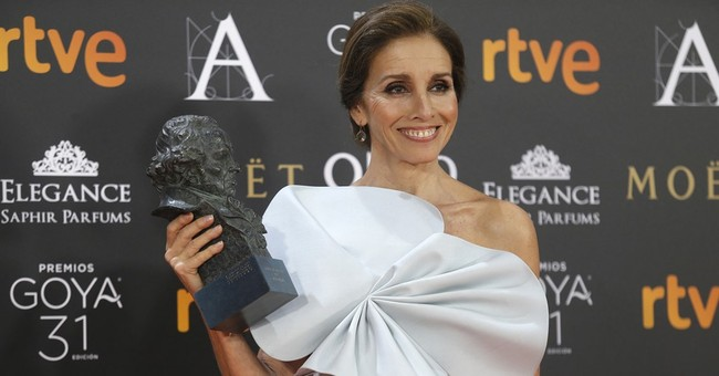 "Arevalo's ""The Fury of a Patient Man"" wins Goya best picture"