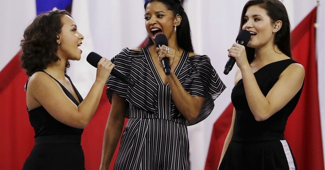 'Hamilton' actress, Luke Bryan reflect on Super Bowl moments