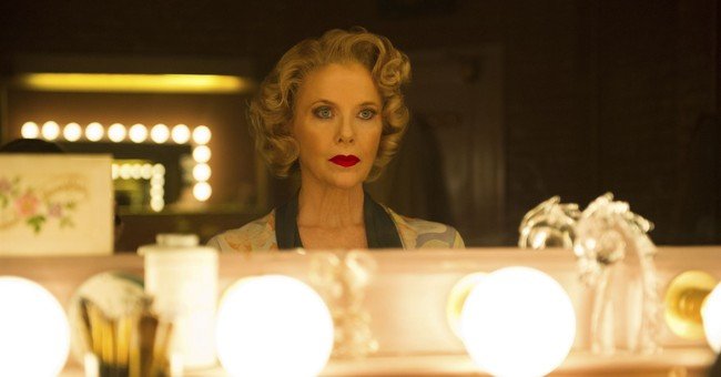 Review: Annette Bening plays Gloria Grahame in 'Film Stars'