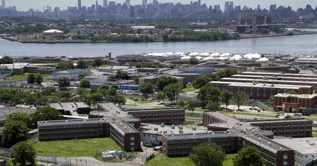 New York jail population below 9,000 for 1st time since 1982