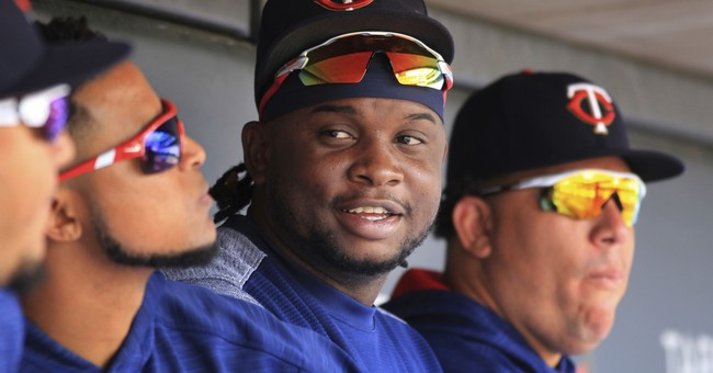 Photographer: Twins' Sano grabbed, tried to kiss her in 2015