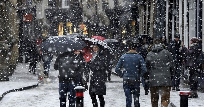 Winter weather grips Britain; transport disrupted