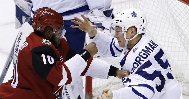 Auston Matthews scores for Maple Leafs in Arizona homecoming