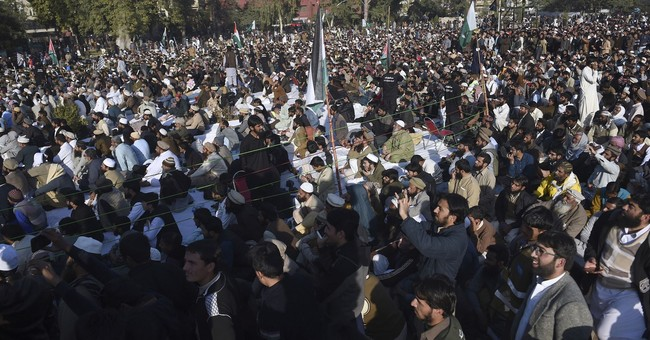 Palestinians recall envoy after rally with Pakistan cleric