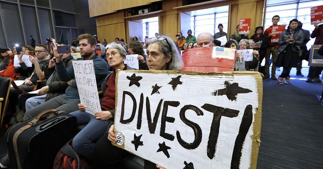 Seattle to cut ties with Wells Fargo over oil pipeline