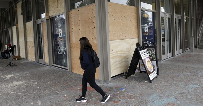 Berkeley probes 'hands-off' police response to protest chaos