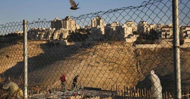 Israeli rights groups move to strike down settlement law