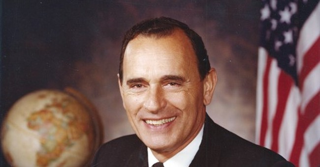 First Navy SEAL to become admiral dies at 93