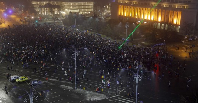 Romanian government seeks loophole on corruption