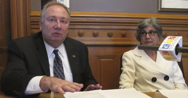 Kansas lawmakers mix up stew of tax hikes, school aid cuts