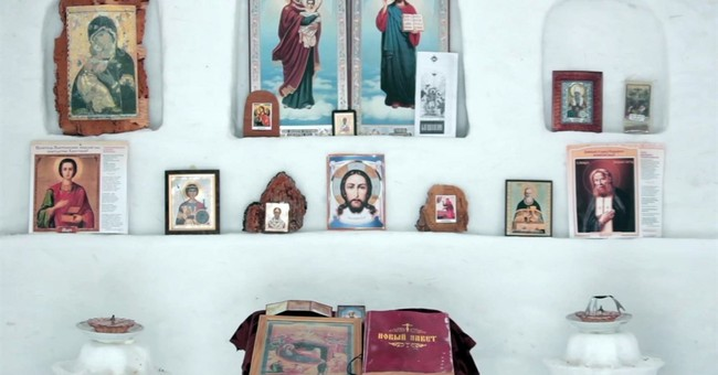 Russian man builds church of snow for village without chapel