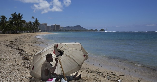 """Hawaii considers """"safe zones"""" for homeless encampments"""