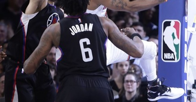 Griffin leads Clippers past Knicks after Oakley ejection