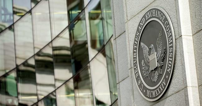 Trump names Wall Street lawyer Clayton as SEC chairman