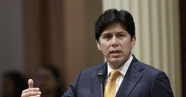 California hires ex-Attorney General Holder to fight Trump