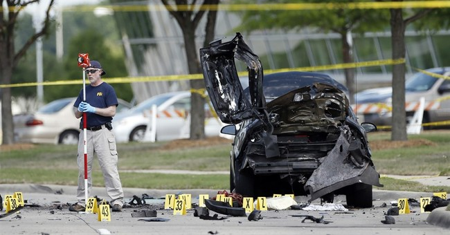 Records: Undercover FBI agent was near gunmen before attack