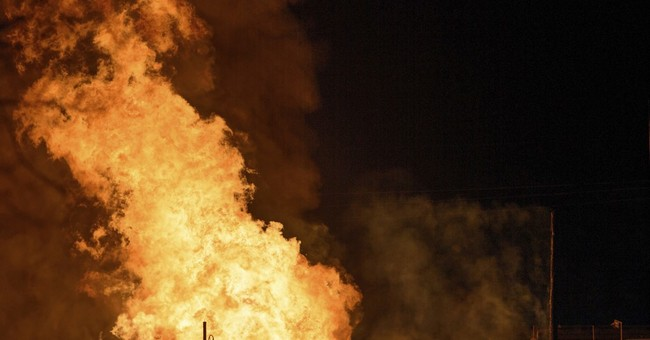Official: 1 missing, 2 injured in Louisiana pipeline blaze