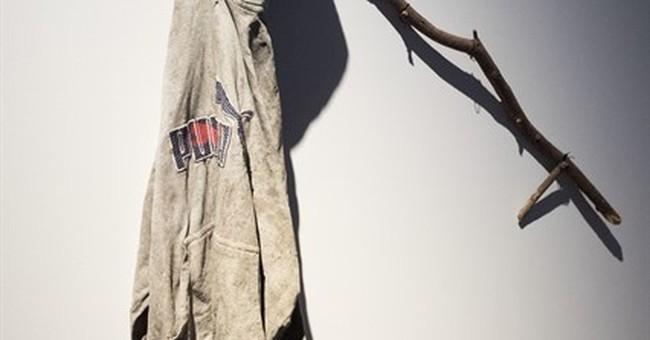 NYC gallery displays migrants' backpacks, belongings