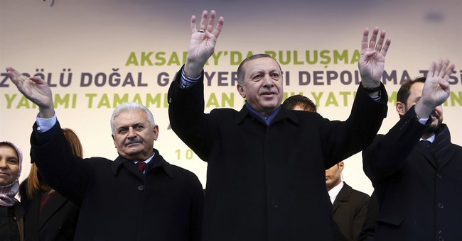 Turkish constitutional referendum comes amid media crackdown