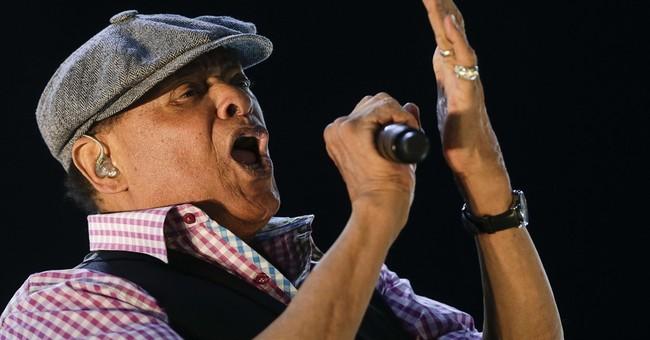 Grammy-winning jazz singer Al Jarreau dies at 76