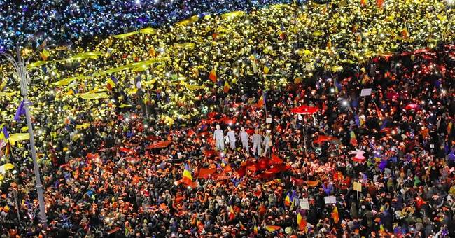 Romania: 13th day of govt protests draw tens of thousands