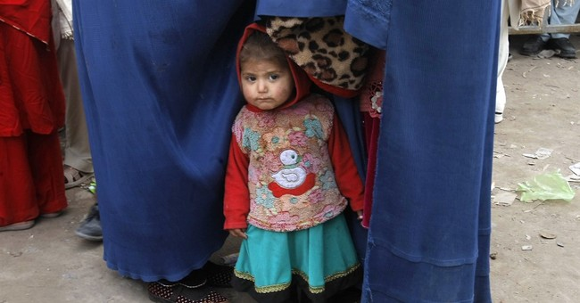 Rights group says Pakistan forcing Afghan refugees home