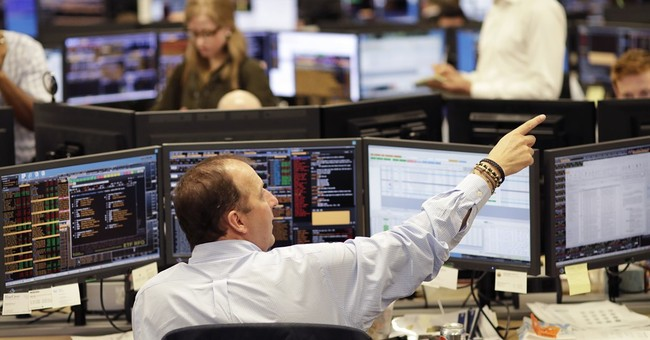 Global stocks continue to rise, US indexes hit records again