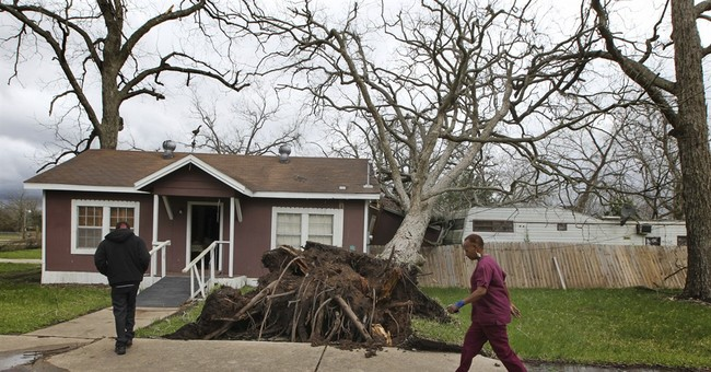 Feds: At least 6 tornadoes cause damage southwest of Houston
