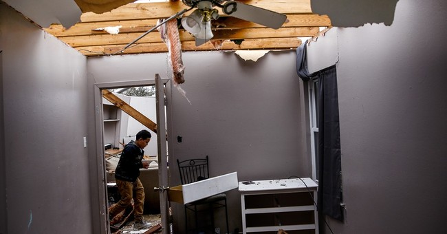 Texas woman, 2 children pulled from rubble left by tornado