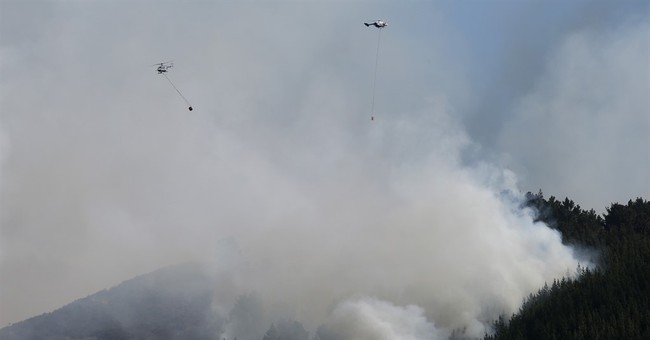 11 homes burned while hundreds evacuate New Zealand wildfire