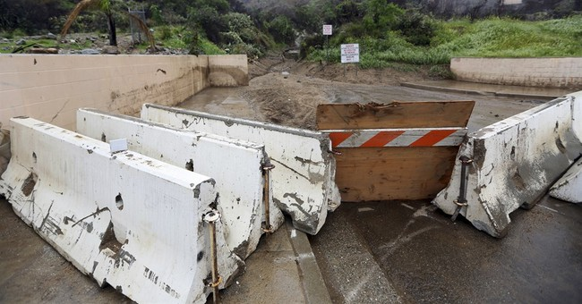 Southern California rain eases; north facing renewed storm